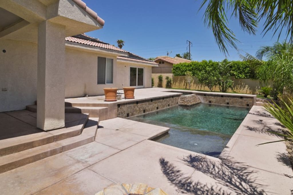 Private swimming pool, spa, fire pit, covered patio.