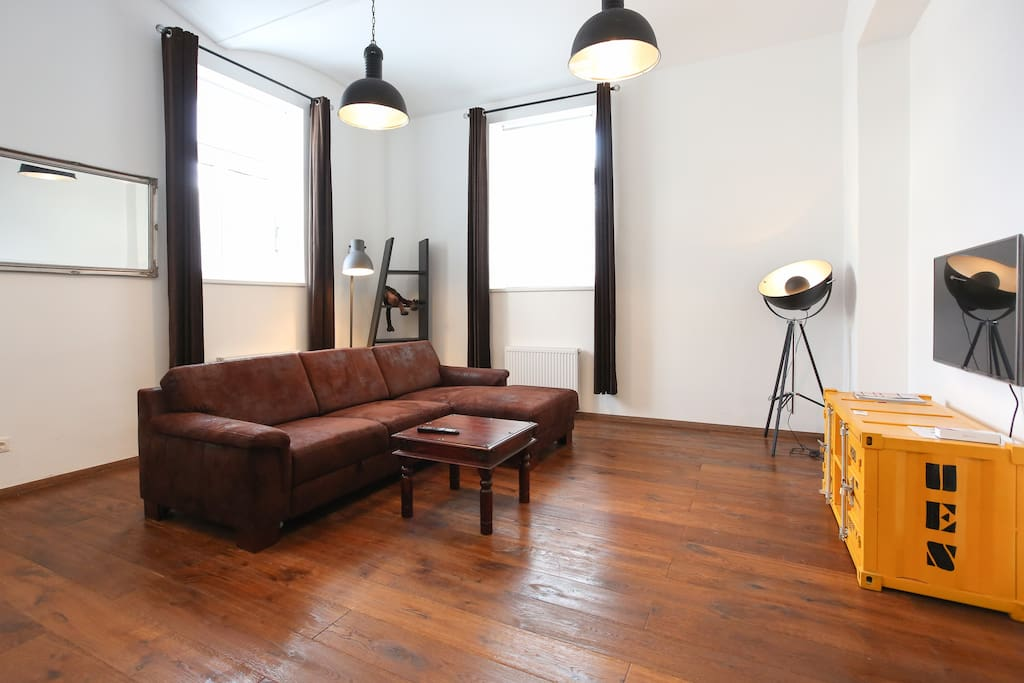 loft near westbahnhof lofts zur miete in wien wien. Black Bedroom Furniture Sets. Home Design Ideas