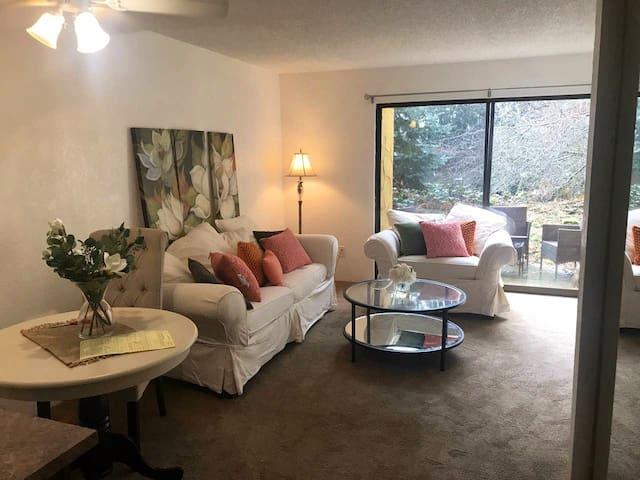 Light filled 2 story Apartment (78 walkscore)