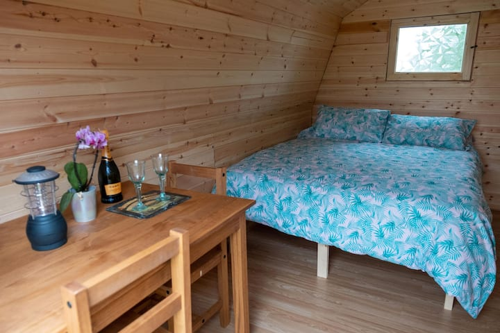 Lakeside pod with exclusive fishing; rural Suffolk