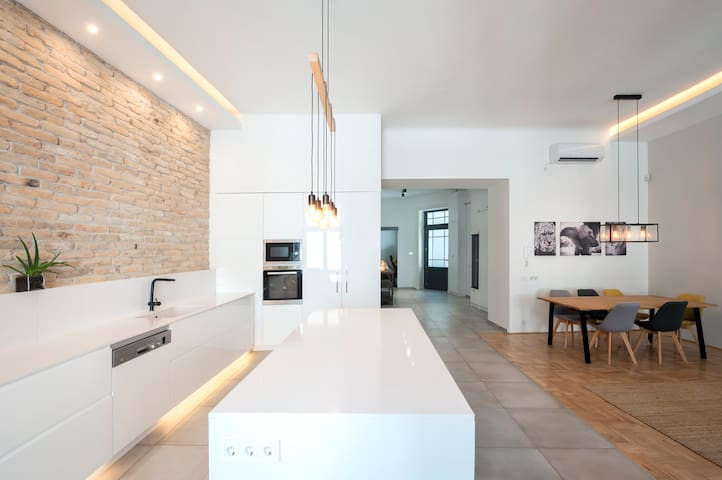 Modern Luxury - City Centre