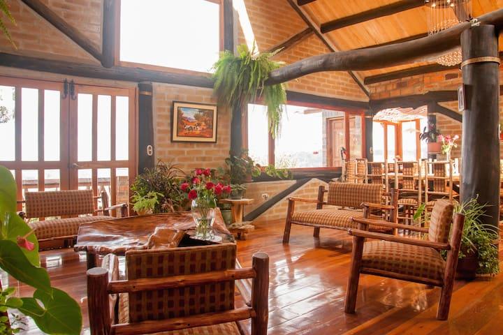 Casa del Tio Shanta / Room Terrace - Cuenca - Hus
