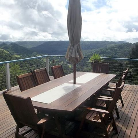 Montville Holiday House - Balmoral Ridge - Casa