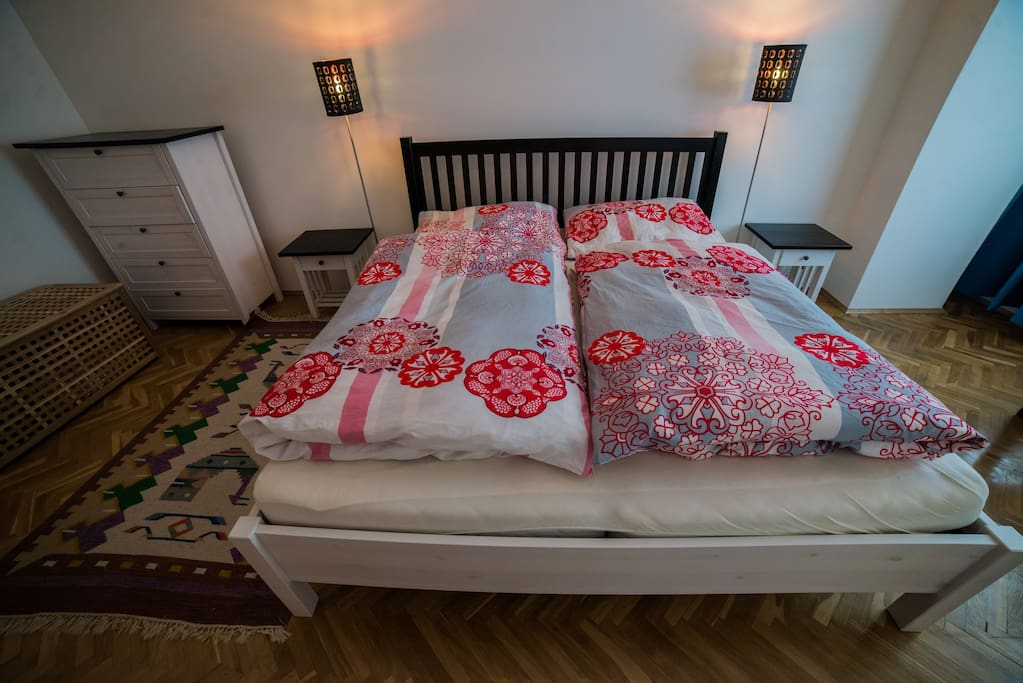 Cozy, fun and very clean apartment - bedroom with double bed