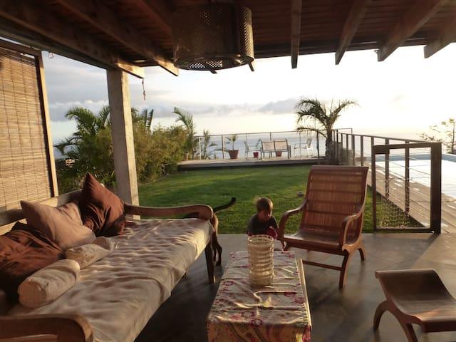 Maison avec piscine , superbe vue mer - Saint Pierre - House