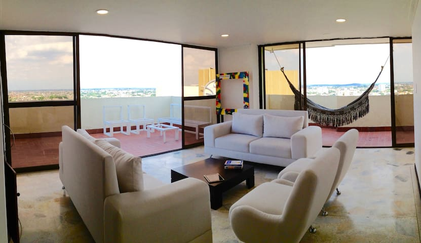 Breathtaking Penthouse in Cali - 칼리 - 아파트