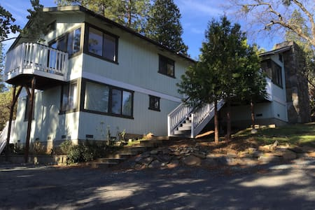 Remodeled Pine Mountain Lake Home - Groveland