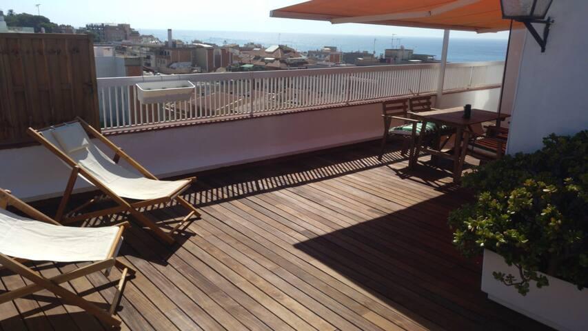"Penthouse ""Mediterráneo"", terrace. El Masnou, BCN"