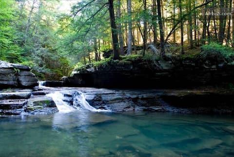 Beautiful Farmhouse - Waterfall & Forest Paradise