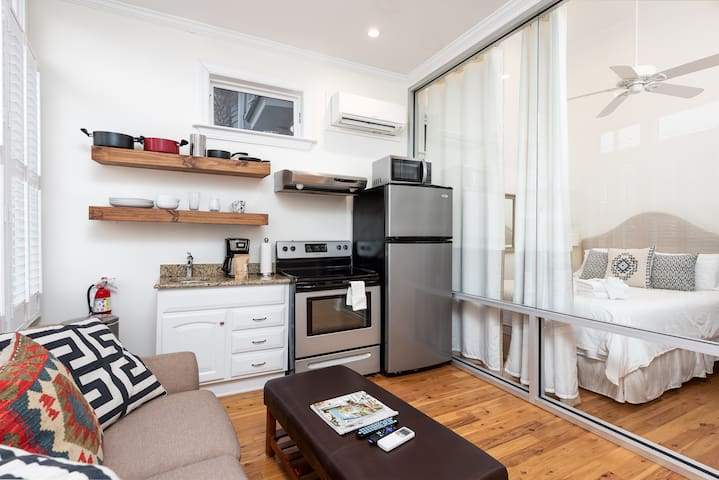 One Bedroom Suite - The Quarters on Spring