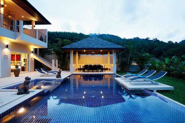 JADE VILLA: 7 Bedroom Private Pool Near Beach - Rawai - Ev