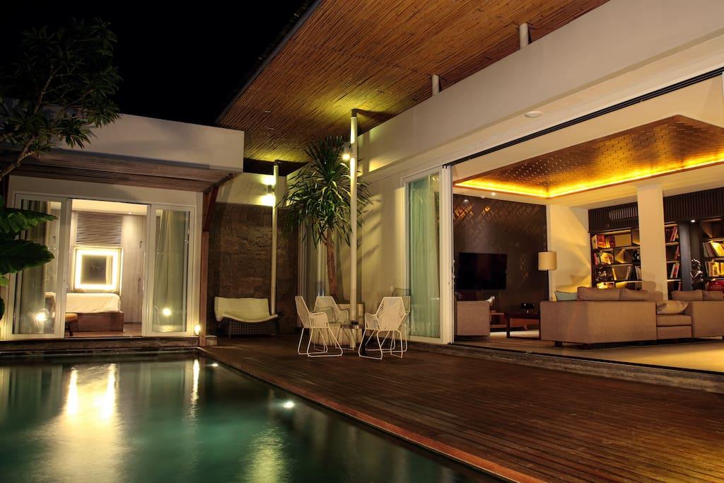 Super comfy private deck