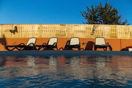 Villa Gabrielle for 9 with pool - Šibenik