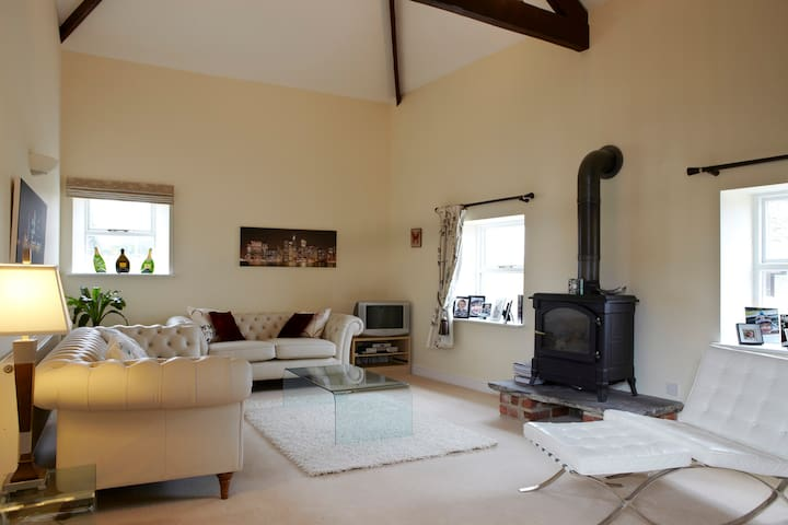 Idyllic converted barn in rural Harrogate - Beckwithshaw