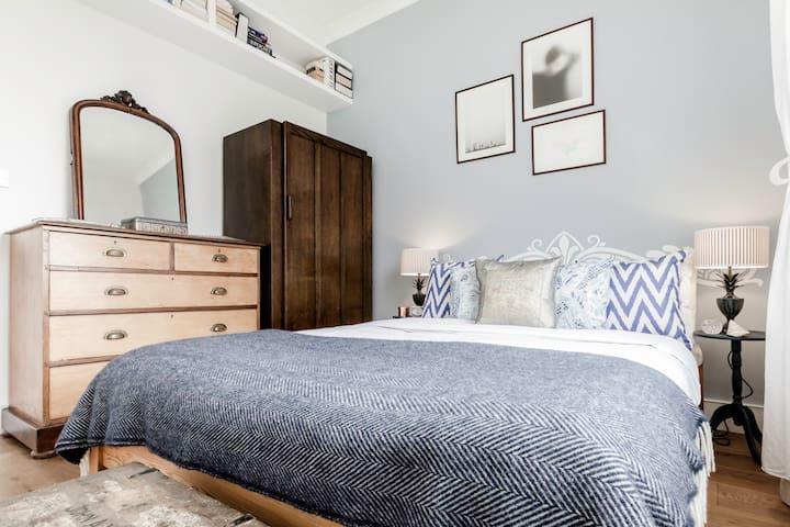 Retro 2 Bed Flat close to Camden