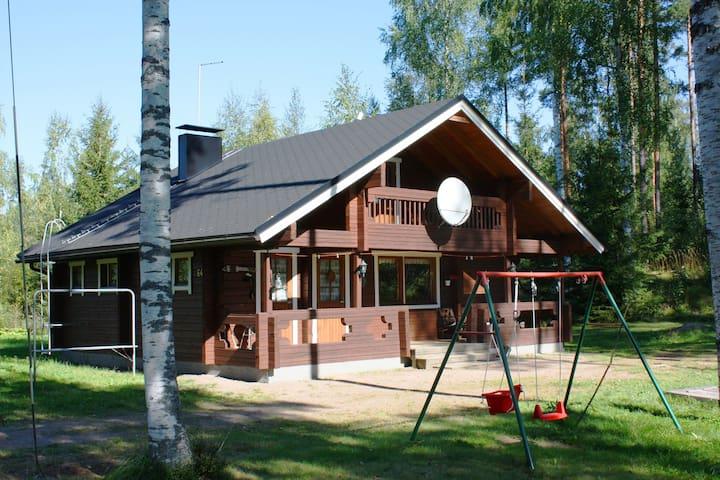 Просторный коттедж на берегу озера - Kouvola - Talo