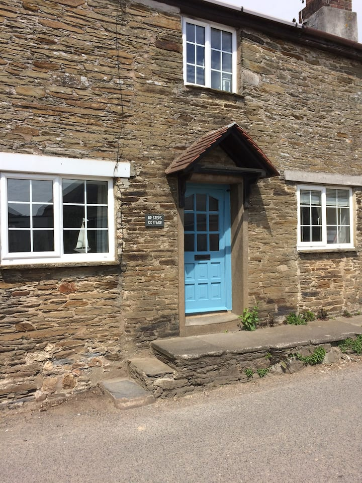Up steps cottage, West charleton.TQ7 2AH