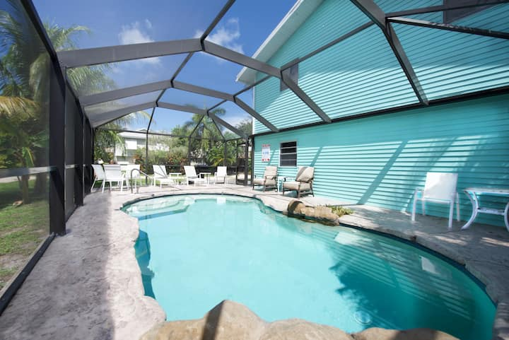 The Lazy Place, Your perfect mid island vacation destination! Newly renovated with great private pool
