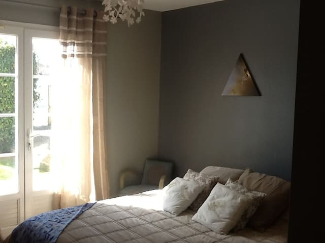 Chambre de 14m2, lit double (160*200), matelas de très haute qualité