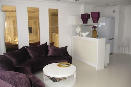 Luksusowy apartament w Ryni - Rynia