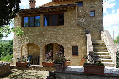 A typical Tuscany flat in a stone cottage - Asciano