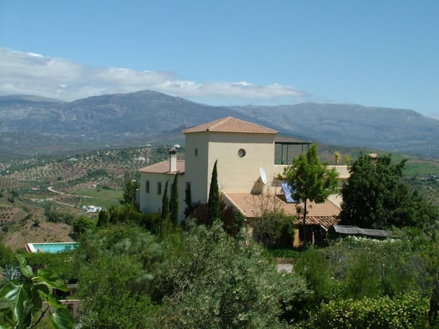 Wonderful large 4 Bedroom Villa - Comares - House