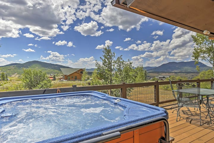Private Steamboat Springs Home w/Hot Tub+Mtn Views