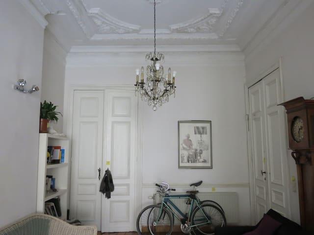 Belle chambre dans superbe maison - Saint-Josse-ten-Noode - House