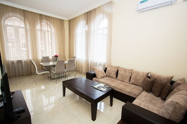 ARMT-Wide apt on Mashtots Avenue 5a-6