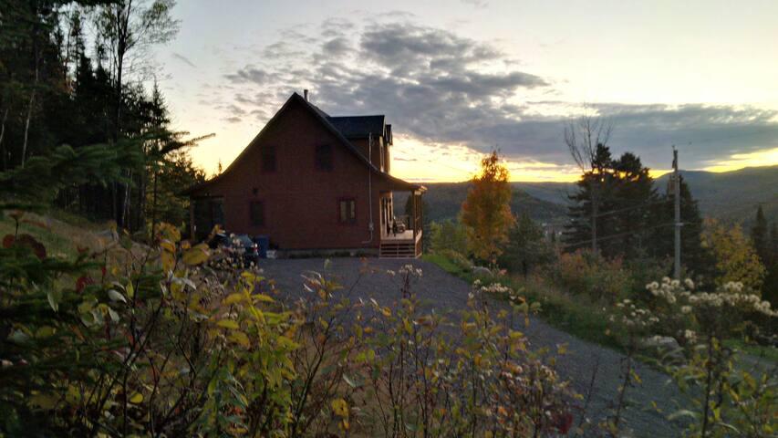 Maison au soleil couchant