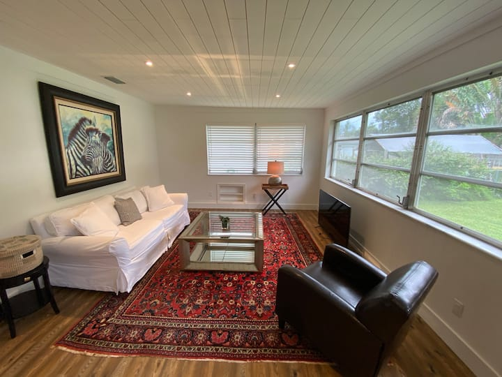 Centrally Located Vero Beach Home