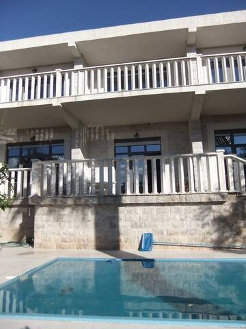 Вилла люкс с бассейном в Петроваце - Petrovac - Villa