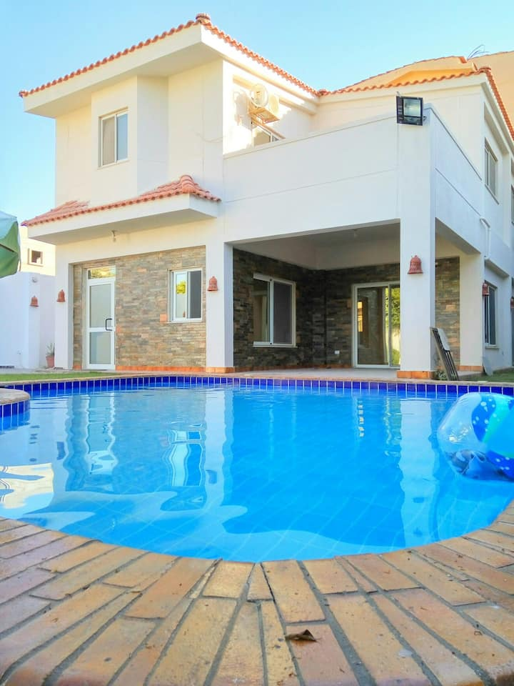 Spacious Villa with Pool and Garden