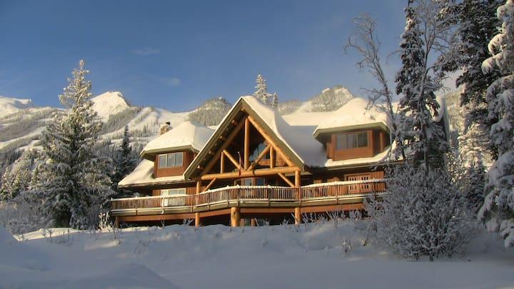 Mountain view room at Kicking Horse Resort Golden