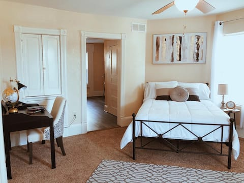 ★★The Charming Manor Private Studio Room★★