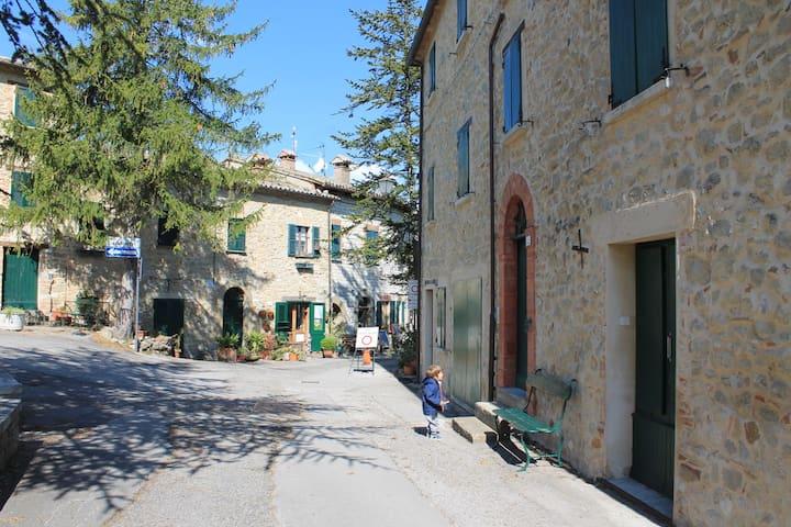 Appartamento Belvedere nel centro storico - San Leo - Apartment