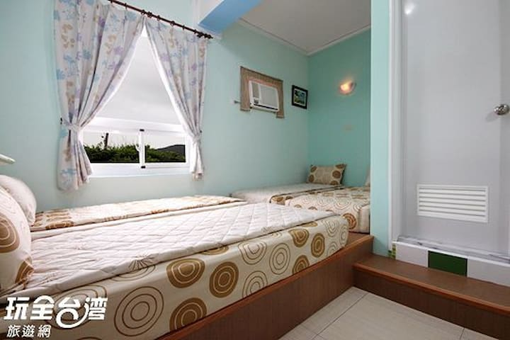 Green island See Star and back packer Hostel-三人房