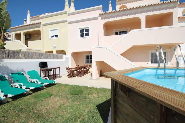 Villa Alto da Ria 6 by amcf