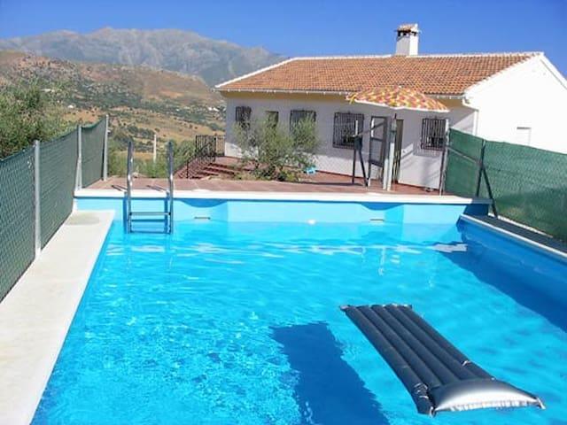 Casa rural +  piscina, barbacoa y vistas preciosas - Periana - Casa