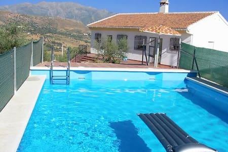 Casa rural +  piscina, barbacoa y vistas preciosas - Periana - Haus