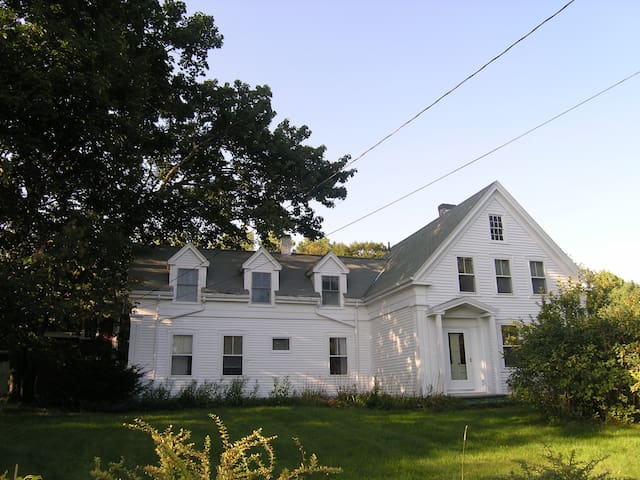 BEAUTIFUL COASTAL FARMHOUSE BOOTHBAY AREA - South Bristol - Huis