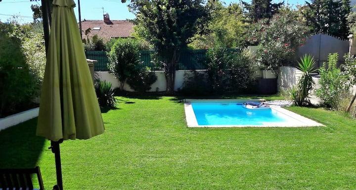 Rare maison piscine 5 min à pied centre historique