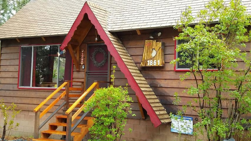 The Thrush Nest Cabin - Wrightwood - Cabaña