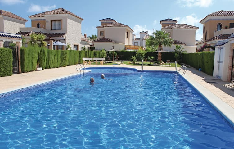 Holiday cottage with 2 bedrooms on 100 m² in Guardamar del Segura