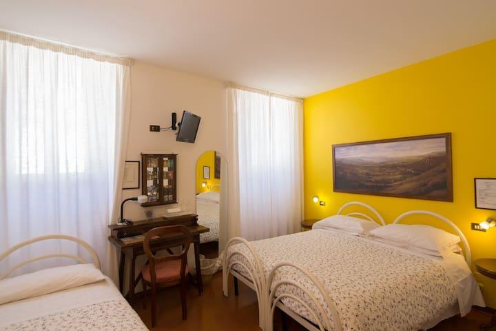 Triple Room Pallotta Assisi-center - Assisi - Bed & Breakfast