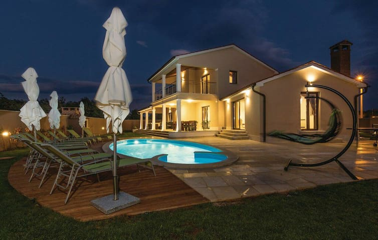 NEW!! 2016 Luxury Villa **** in central Istria - Bibići - House