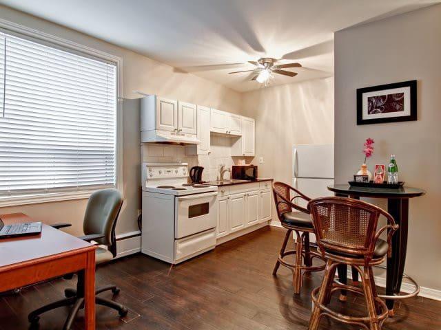 Studio Apartment 1 - Oshawa - Flat