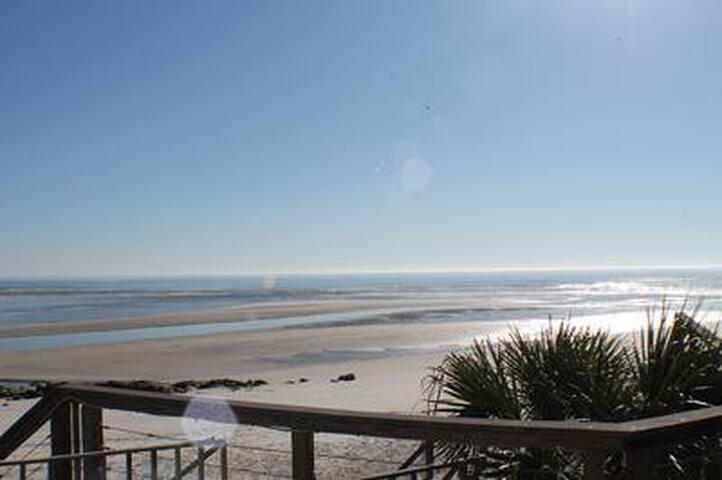 Sea Mantanzas 4, Beach Front