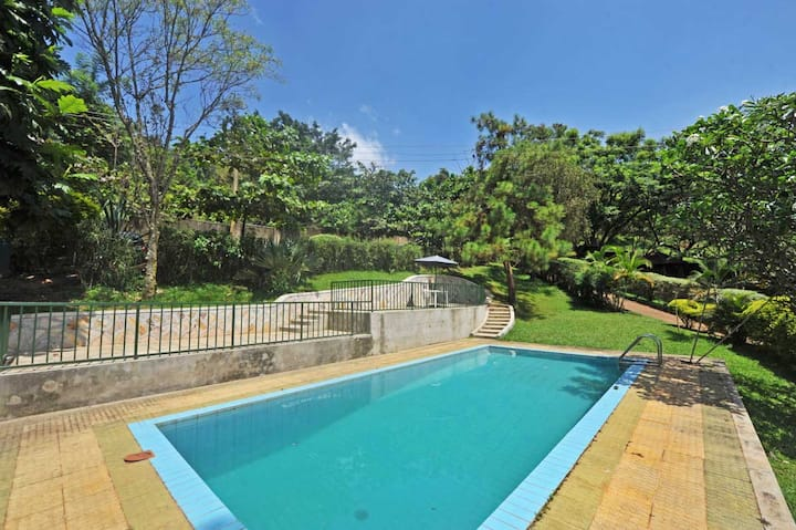 Makindye Garden Villa with pool