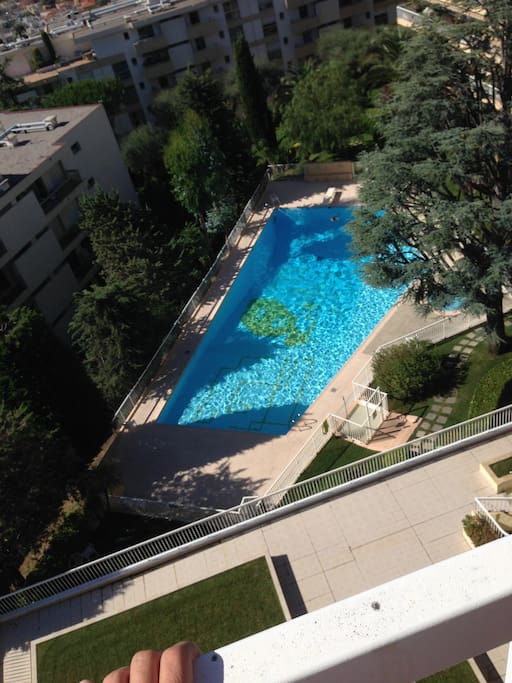 Shared swimming pool and other recreational areas: table tennis and barbecue (not the view from the apartment)